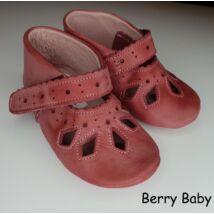 19-es: Berry Baby Rózsaszín csipke mintás puha talpú bőr kocsicipő, szobacipő