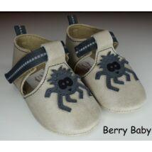 17-es: Berry Baby Szürke pók mintás puha talpú bőr kocsicipő, szobacipő