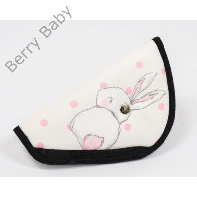 Biztonsági öv elterelő- öv elvezető gyerekeknek a Berry Baby-től: Rózsaszín nyuszis