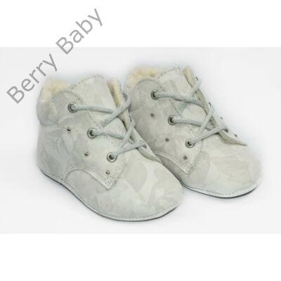 18-as Berry Baby puha talpú bőr kocsicipő: Fehér mintás- fűzős