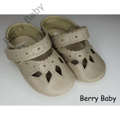 17-es: Berry Baby Ekrü csipke mintás puha talpú bőr kocsicipő, szobacipő