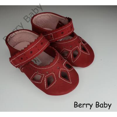 05bd94adb9 16-os: Piros csipke mintás puha talpú bőr kocsicipő, szobacipő ...