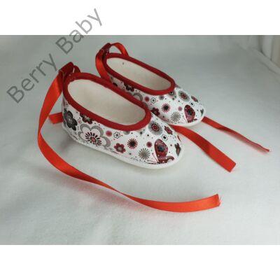 18-as: Piros virágos lakk+ szatén szalagos- puhatalpú kiscipő -import termék-