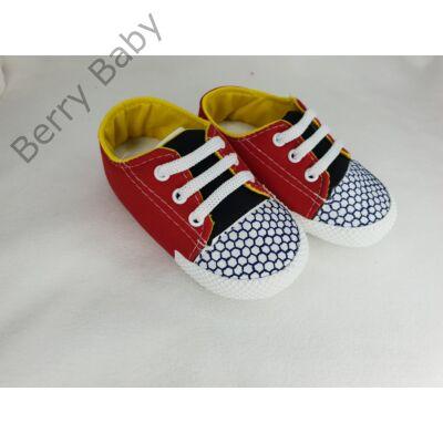 18-as: Piros-kék puhatalpú kiscipő -import termék-