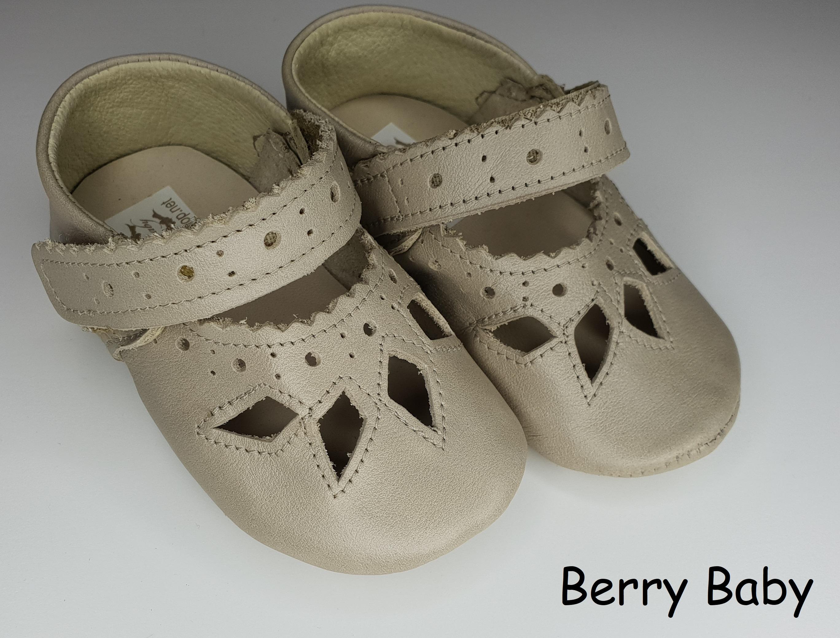 62cdb32aad 19-es: Ekrü csipke mintás puha talpú bőr kocsicipő, szobacipő - Baba cipő- puha  és keménytalpú első kiscipő, kocsicipő